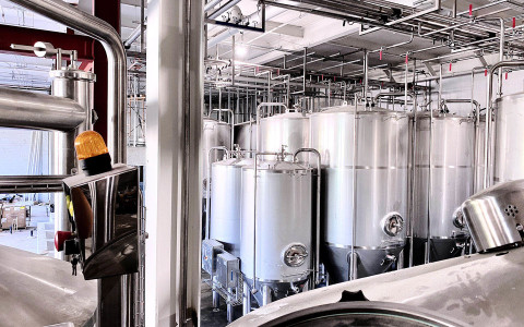 Cervecería La Tropical Brewery is state of the art with 32,000 hectoliters of brewing capacity.