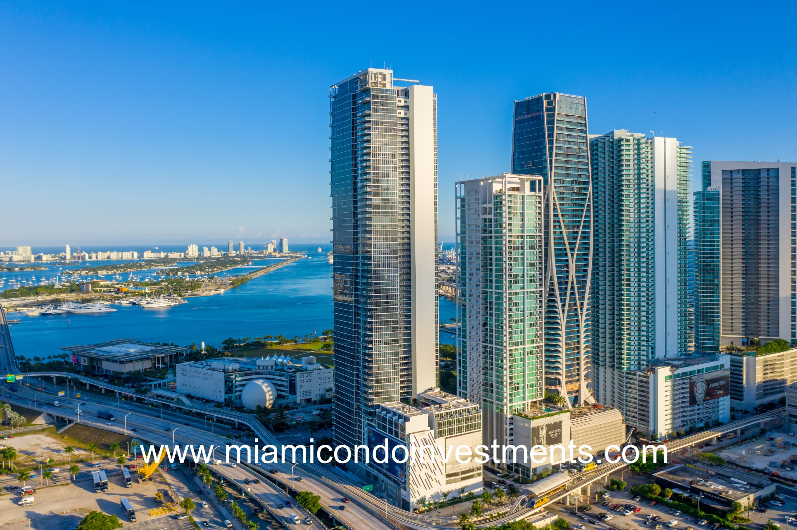 Marquis Residences Tower in Miami Beach with Miami Skyline