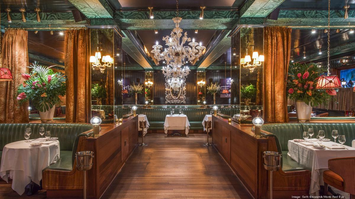 Interior photo of Carbones Italian Restaurant in downtown Miami.