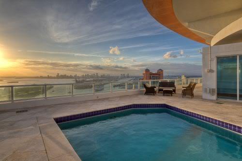 Continuum South Beach Pool View