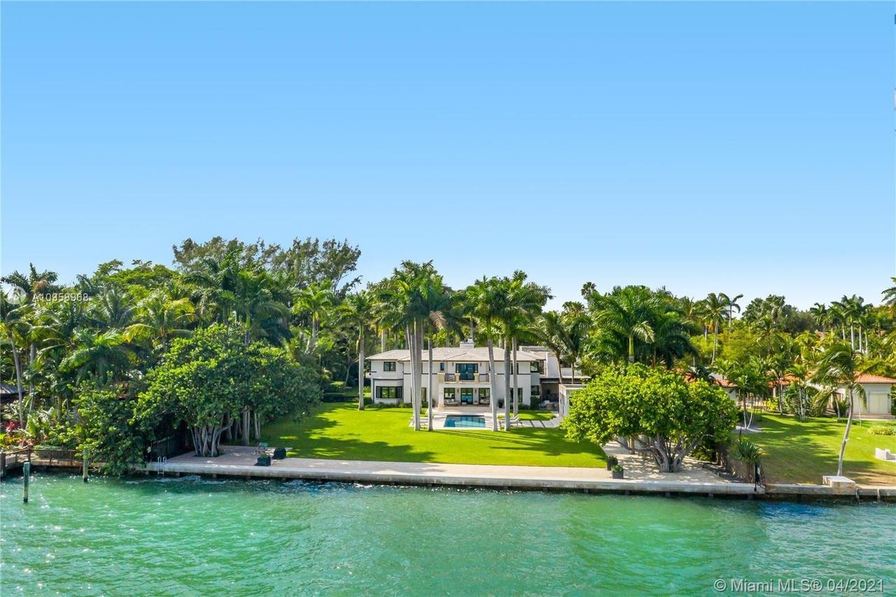 Dave Portnoy Buys Bayfront Mansion