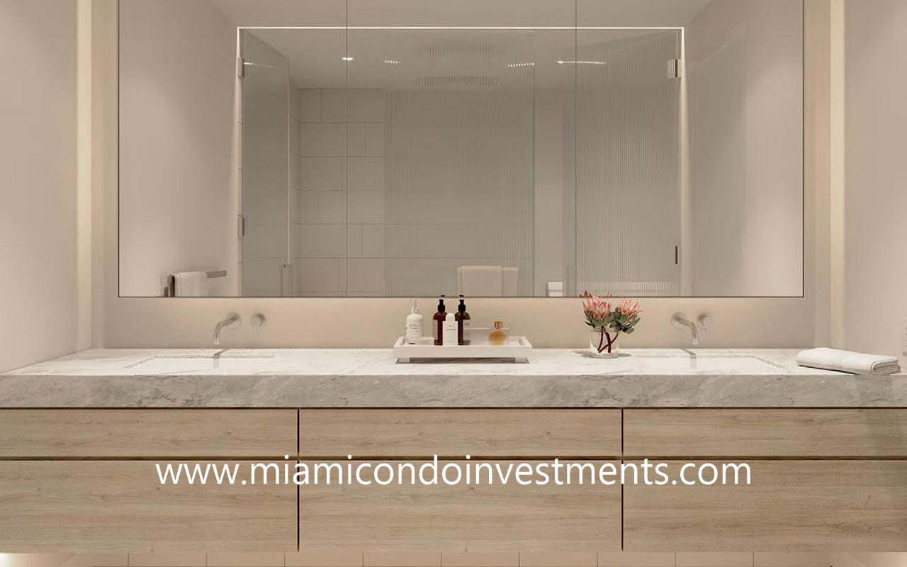 Five Park master bathroom designed by Gabellini Sheppard