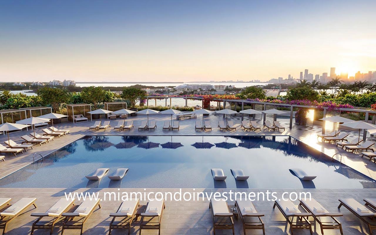 Five Park pool deck