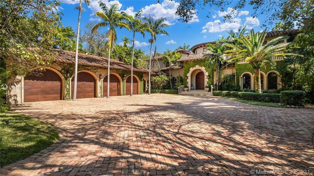 3503 Main Lodge Drive in Coconut Grove