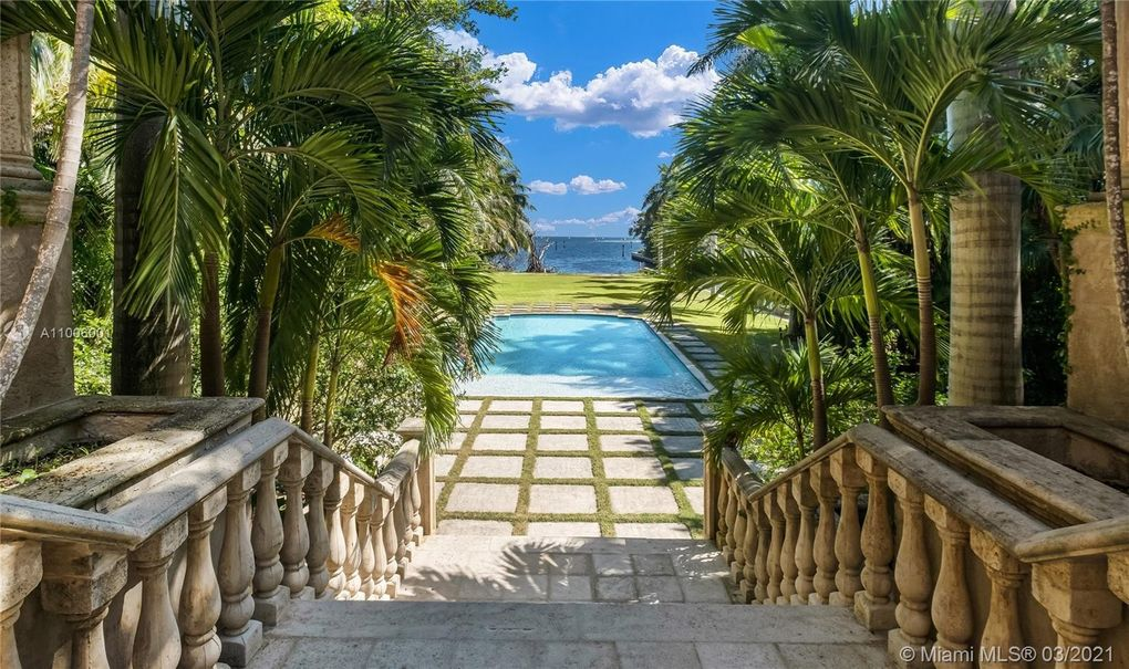 Waterfront Mansion in Coconut Grove